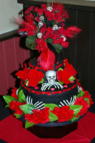 simple gothic wedding cakes