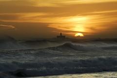 Bugio. (benitojuncal) Tags: sunset sol praia portugal rio lisboa playa puesta tejo caparica oceano atlantico bugio desembocadura conchis aplusphoto ilustrarportugal antonimus