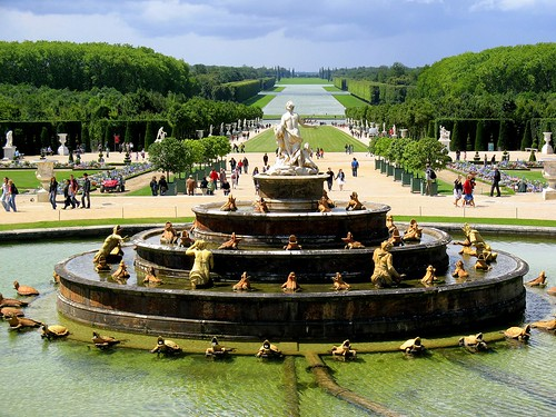 Latona Fountain by HarshLight.