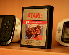 ET (the lizard creature and me) for the Atari VCS 2600 (dnunez_za) Tags: game museum scott video howard bad atari retro card et 2600 cartridge vcs warchaw