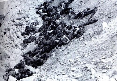 Cadáveres en el Alcázar