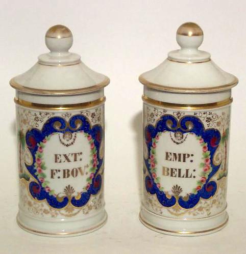 016-  Dos potes de farmacia en porcelana- 1868-1883- Paris