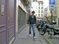 Rue Saint-Paul - Paris (France) (Meteorry) Tags: boy paris france cute walking europe pavement candid parking stpaul sneakers dude sidewalk jeans baskets lad motor passing saintpaul trottoir mec meteorry ruesaintpaul skets peopleparis