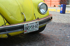 They call me mellow yellow... (lorie777) Tags: bug mexico beatle monterrey