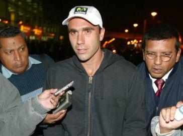 Luis Horna arriba a Lima
