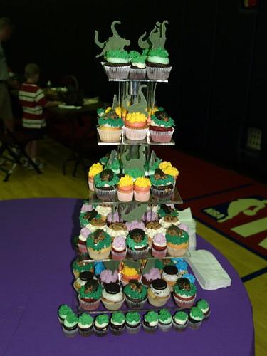 Dinosaur cupcakes from Main Street Cupcakes