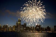 July 4 -- Fireworks Over Chicago (Bill in DC) Tags: chicago fireworks odyssey 2008 eos5d abigfave favoritecapture vosplusbellesphotos lifetravel canon50mmlf12usm