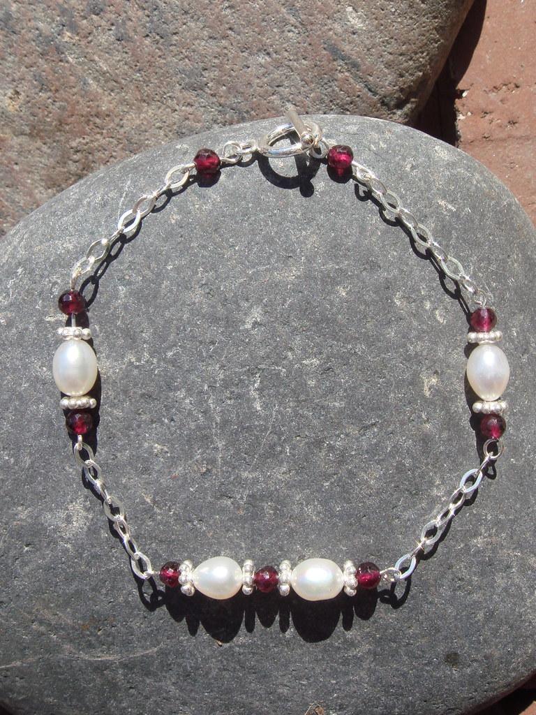 Garnet, freshwater pearls, sterling silver bracelet