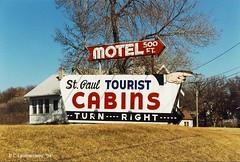 Minnesota,  Maplewood, St. Paul Tourist Cabins (Gone)  (21,605) (EC Leatherberry) Tags: minnesota sign motel arrowsign motorcourt touristcourt ramseycounty us61 touristcabins travelcabins