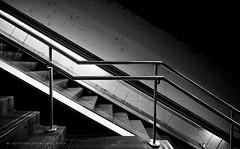 Barcelona MetroCiutadella | Vila Olmpica (jsprhrmsn.photography) Tags: barcelona blackandwhite white black blanco lines architecture underground design spain arquitectura europe metro zwartwit curves negro bcn shapes zwart wit bdf architectuur tmb blancyynegro jsprhrmsnphotography