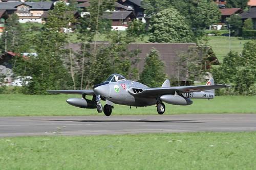 Warbird picture - De Havilland DH-100 Vampire .