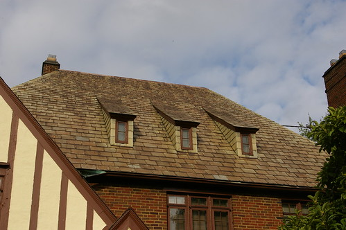 Front roof detail