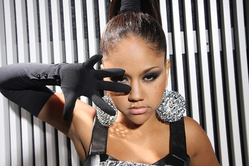 kat deluna on the set of her new video in the end