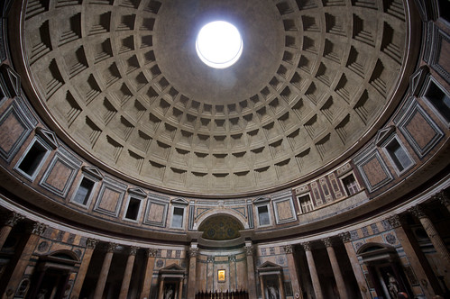 Pantheon dome w-i-d-e