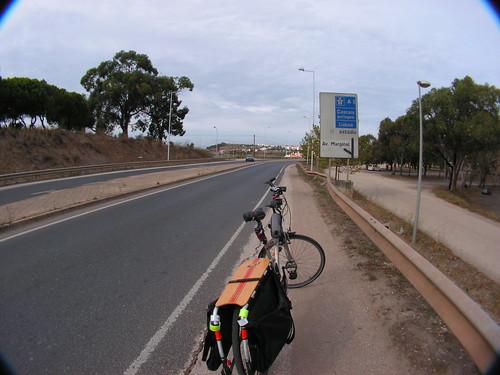 Estrada da prisão de Caxias ao Estádio Nacional