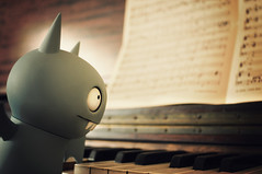 Piano Bat (revlimit) Tags: music playing toys nikon vinyl piano denver explore nikkor 93 badly uglydolls grandmashouse icebat d300 28mm28