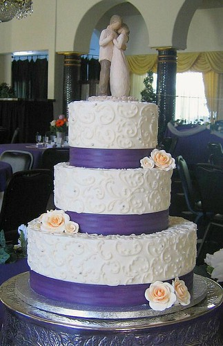 purple and silver wedding cakes