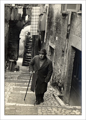 digging in my photografic archives (Mauro D'Ambrosio (prometeo53)) Tags: bw italy film bn stairway lazio oldmen anagni ciociaria blackwhitephotos artlegacy pentaxmemx