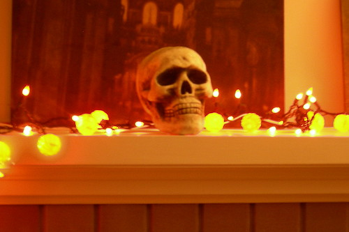 Halloween skull and lights