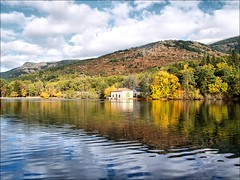 Reflejo (guillermoverdu) Tags: espaa lake reflection lago spain leon segovia reflejo otoo mirrow castilla abigfave