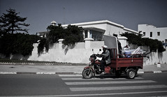 Moto?? (InVa10) Tags: road travel viaje red españa spain rojo nikon carretera badajoz morocco moto marrakech motor marruecos essaouira l10 inva