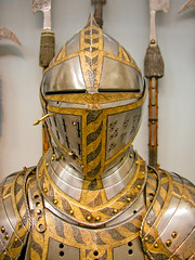 BM184 Ceremonial Plate Armor (listentoreason) Tags: newyorkcity usa newyork metal museum america unitedstates steel military helmet favorites places olympus armor weapon material armour metropolitanmuseum themet helm metropolitanmuseumofart polearm bodyarmor platemail closecombat score35 platearmour armsarmor olympusc4040z c4040z groundforces closecombatweapon poleweapon