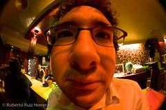 Ummm I see (Berts @idar) Tags: noche pub retrato zaragoza saliendo copas monti espaa elzorro peleng8mmfisheye canoneos400ddigital