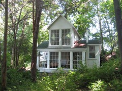 Exterior from south (Brite light photos) Tags: schwartz forrent hectorny valoiscabin