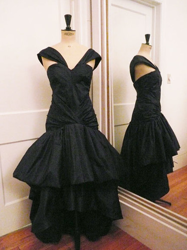 Prom Dresses : Gorgeous Midnight Blue And Black Ball Gown