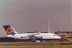 BAe 146-200A (Den Batter) Tags: minoltax700 spl schiphol 146 eham worldairlines bae146200 146200 01l19r 18c36c gowld
