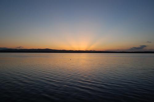 夕日の網走湖