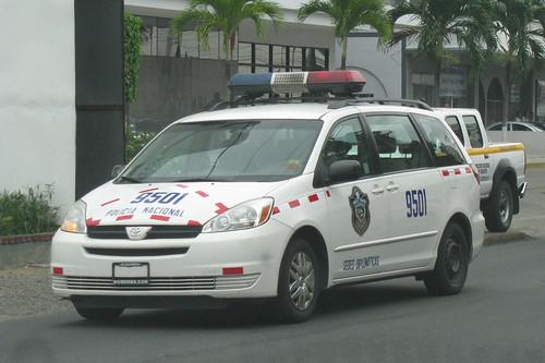Toyota Sienna Club - Sienna в роли такси и телезвезды