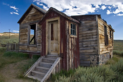 A touch of Red (Paul.W) Tags: california ghosttown bodie roadtrip08