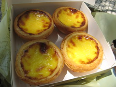 Portuguese Egg Tart (SmALl CloUd ...) Tags: hot yellow bag kei box famous egg fresh plastic bakery koi tart brand portuguese pastelaria macao