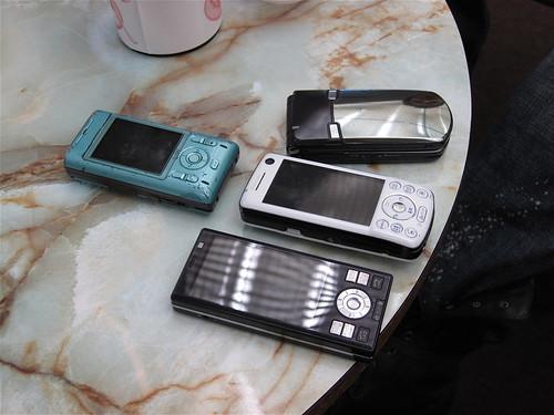 4 Students 4 Phones