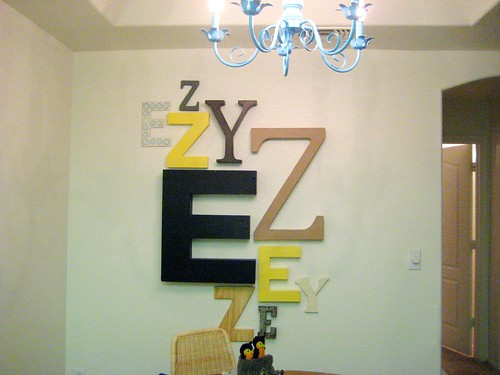letter wall by erigutt.
