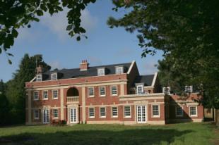 Hough Manor Wilmslow, SK9 2 IG