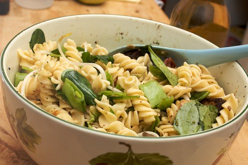 pasta salad with 5-spice tempeh