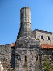 Ulcinj/Ulqini - Ruins of a Minaret (alberto_d) Tags: castle ruins europa europe minaret walls mura albanian grad oldtown castello adriatic montenegro starigrad mauer adriatico rovine minareto ulcinj cittvecchia crnagora ulqini dulcigno anticando eeecotourism albaniaveneta