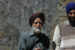 DSC_0232 (Anne Galle Rico) Tags: people india sikh hemkund inde