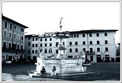 Piazza S.Stefano in Prato (StefanoFi) Tags: chiesa po firenze fi piazza duomo toscana fontana prato stefano cattedrale sstefano santostefano zampillo pratesi stefanofi lastrucci stefanofimiglioreraccolta pratese