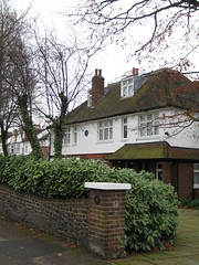 Anne Shelton lived here