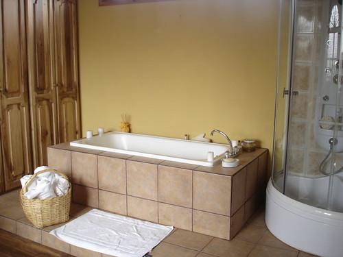 cotacachi-hotel-savings