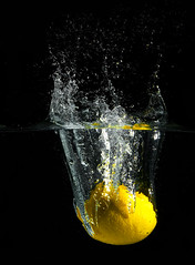 Citrus splash (Dan. D.) Tags: color water yellow fruit canon studio waterdrop flash 5d setup citrus splash 580ex homestudio eldano