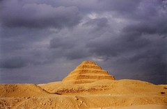 Sakkara. O el ingenio de Zoser (darkside_1) Tags: travel viaje red orange color brick architecture clouds landscape rojo arquitectura scanner egypt paisaje viajes nubes land 1992 egipto naranja ladrillos picnik analogica tierra analogic egipt saqqarah imhotep escaner abigfave anawesomeshot goldstaraward sergiozurinaga bydarkside darkside1 tierradefaraones travellingegypt viajandoporegipto piramidedesaqqarah saqqarahpiramid