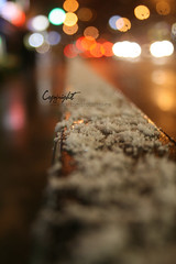 (D o u b l e y o u) Tags: street blue red snow london yellow bokeh 2009 kkk lovich  winter2009  ya5eefdaitfanichp