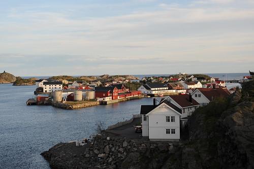 Henningsværの村