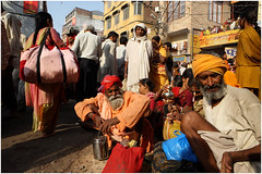India Travel Photography: Kumbh Mela Festival 2010 Haridwar.085 by Hans Hendriksen (Hans Hendriksen Travel Photography) Tags: travel people india festival ro river naked nude photography photo foto 14 religion crowd bad holy gathering sacred planet april procession hindu maha baba optocht largest ganga sadhu crowded 2010 naga ganges mela heilig pilgrims sagrado haridwar northindia koninklijk religie hindoe bedevaart menigte kumbh pelgrims hindus hardwar royalbath pilgimage gangus reisfotografie reisfoto hindoes hindes noordindia