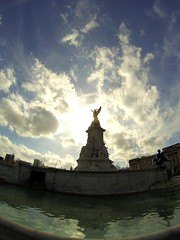 Victoria Memorial (Goproo3) Tags: voyage uk trip travel england black london vacances memorial holidays palace victoria londres buckingham edition btiment denis gopro chauvin goproo3