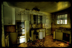 What's For Dinner? (@!ex) Tags: old house abandoned southdakota america vintage death moody pentax antique south wideangle creepy handheld prairie epic dakota soe hdr murdo aficionados sigma1020mm breakingandentering supershot golddragon k10d pentaxk10d alexbenison